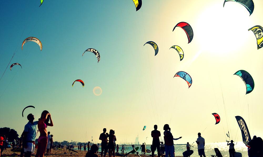 kite beach dubai - hang out place for kite surfers & beach lovers